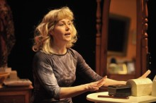 Elizabeth Aspenlieder in Bad Dates at Shakespeare & Company