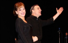 Patti LuPone and Mandy Patinkin sell a song.