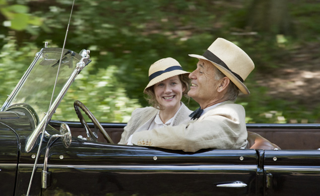 Laura Linney (l) and Bill Murray (r) in Hyde Park on Hudson.