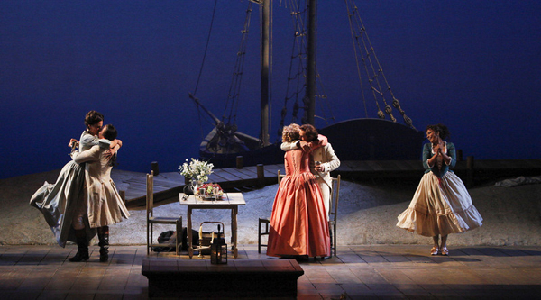 """Met Music Director James Levine conducts a revival of Mozart's """"Così Fan Tutte"""". Photo: Marty Sohl."""