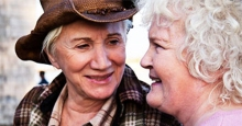 Olympia Dukakis (l) and Brenda Fricker in Cloudburst.