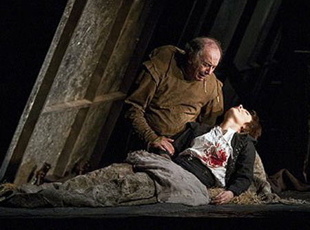 Another opera singer expires in Rigoletto.