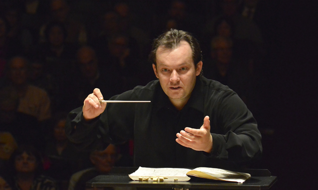 Andris Nelsons. Photo by Stu Rosner.