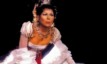 The story behind Renata Scotto's necklace and tiara seen in Tosca.