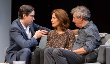 (L to R): Justin Long (Dr. Goodman), Jessica Hecht (Suzanne) and Eric Bogosian (Neil). Photograph T .Charles Erickson.