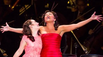 Lauren Worsham and Vanessa Williams in Show Boat. Photo by Chris Lee