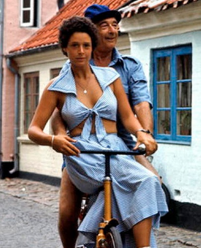 Borge showing Denmark to his daughter Frederikke.