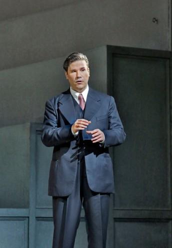 """Massimo Cavalletti as Lescaut in Puccini's """"Manon Lescaut"""". Photo by Ken Howard/ Metropolitan Opera."""
