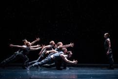 12/9/15 4:29:38 PM -- Hubbard Street Dance Chicago; photo Todd Rosenberg