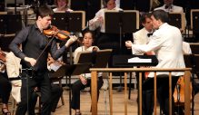 The Boston Symphony Orchestra with violinist Joshua Bell and conductor Jacques Lacombe (Hilary Scott photo)