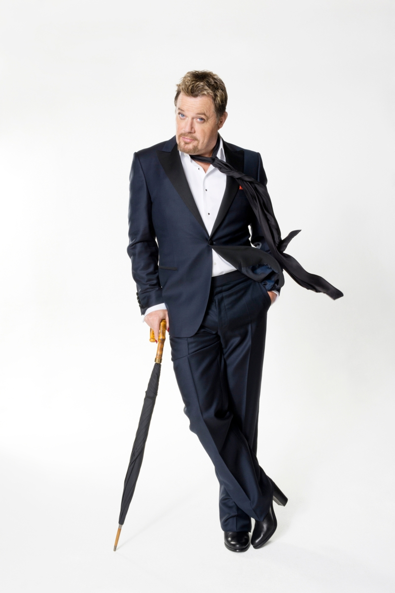 Eddie Izzard Comes to Troy Music Hall in February