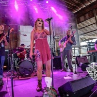 Jen Durkin & The Business Play The Garage